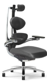 Muuv chair black angle